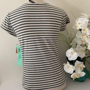Tops - 🎈New  stripe blouse with tag🎈